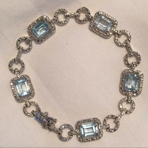 Jewelry - Gorgeous Blue topaz bracelet in sterling silver